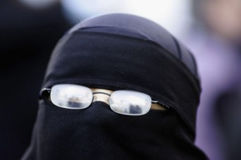 Niqab-glasses2