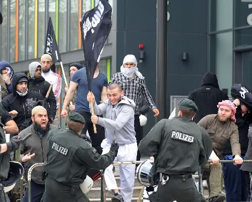 Allemagne-salafistes-attaquent-police
