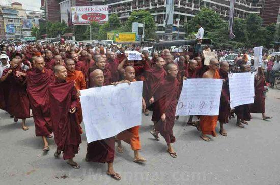 Birmanie-bouddhistes