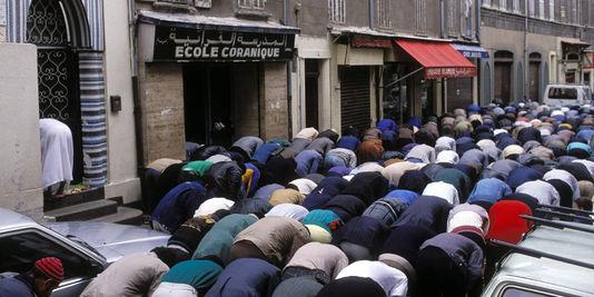 France-prieres-de-rue-2