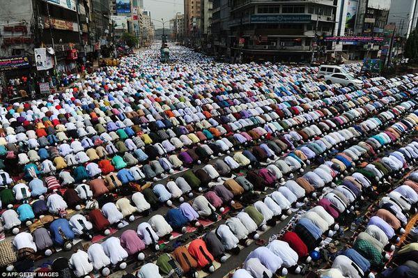 Bangladesh-arretez-les-athees-2