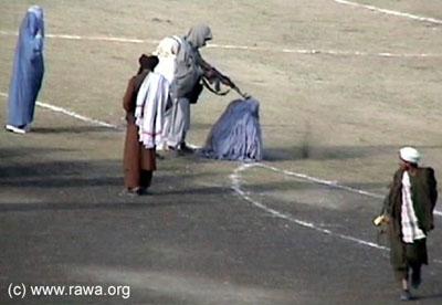 Afghanistan-taliban-execute-femme
