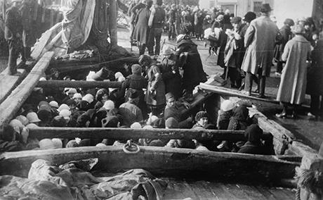 Evacuation-petits-orphelins-armeniens2