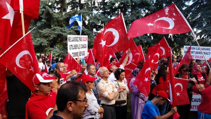 Turcs-montreal-manif